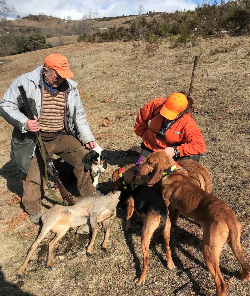 Com defineixen l'acció de caçar els acadèmics? 1